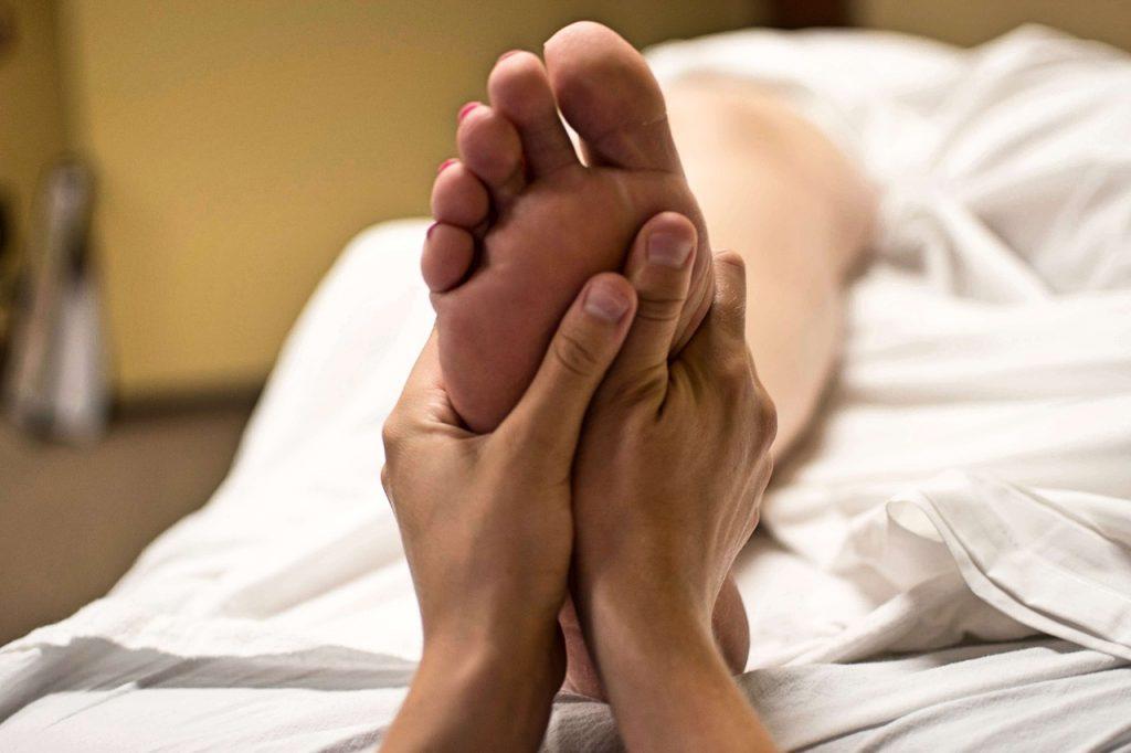 Akupresura stóp daje korzyści całemu organizmowi